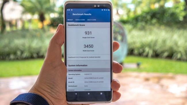 Galaxy S11, iPhone 11 Pro Max'ten Hızlı!