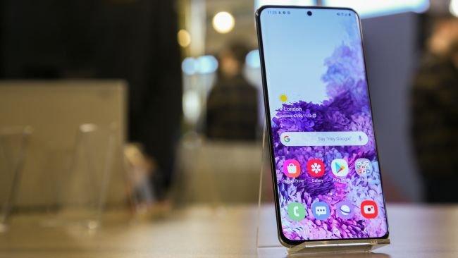 Samsung Galaxy S20+ Tasarımı Nasıl?