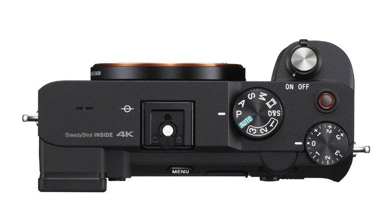 Sony Alpha 7C Fotoğraf Makinesi ve Zum Lensini Tanıttı