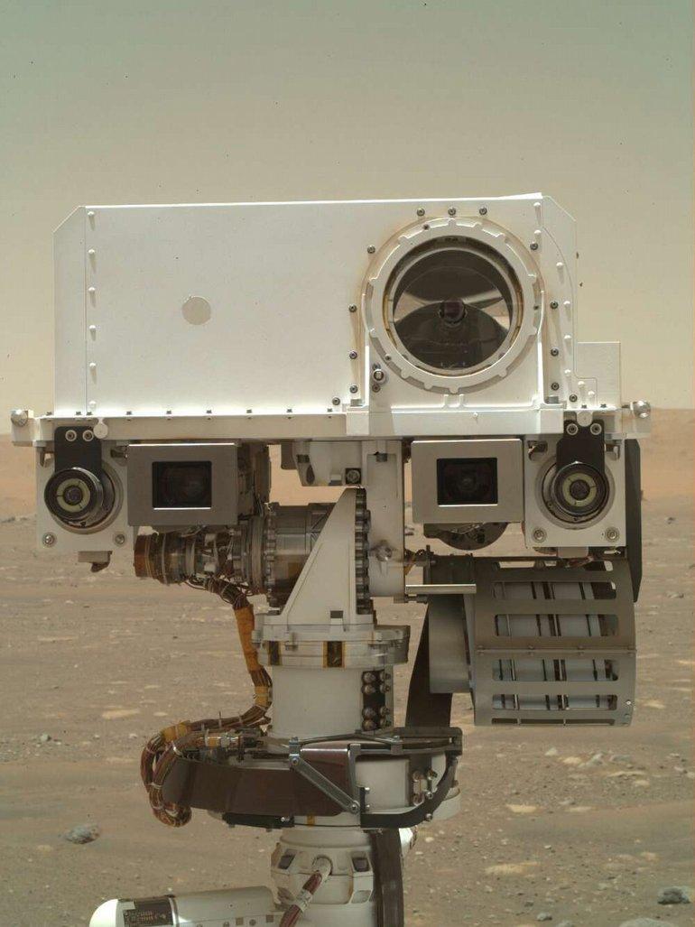 """NASA'nın Perseverance Aracı, Mars'tan Yeni Bir """"Selfie"""" Daha Paylaştı"""