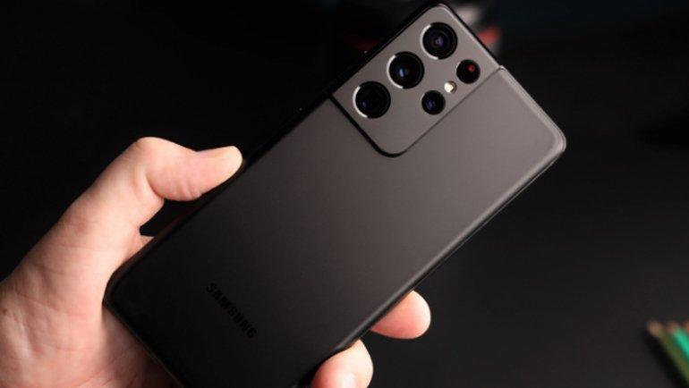 """En İyi """"Büyük Telefonlar"""": İşte Satın Alabileceğiniz En İyi 6 Büyük Telefon"""