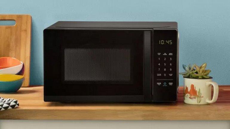 Amazon Basics Alexa Microwave