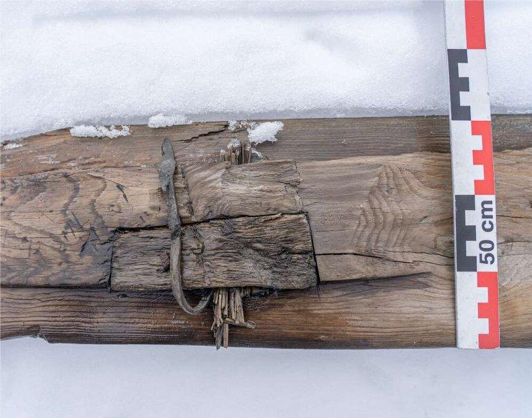 """Buz Tabakaları Altında, 1.300 Yıllık """"Kayak Takımı"""" Bulundu!"""