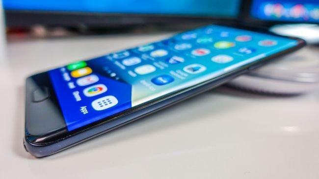 Samsung 'tehlikeli' Galaxy Note 7'lerin üretimini durdurdu - BBC News Türkçe